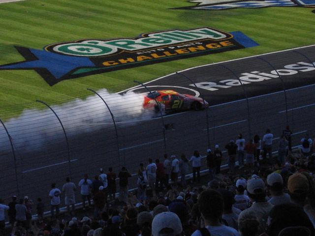 nascar busch racing oreillys auto parts texas motorspeedway fortworth reeses 21 chevy chevrolet monte carlo kevin harvick burnout win smoke