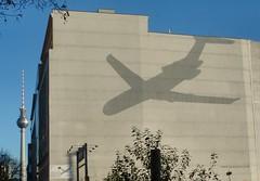 Landung (mitue) Tags: berlin fassade dieselwall peterbuechler