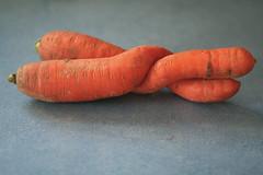 the love carrots (eva8*) Tags: orange love wow twist vegetable mc07 carrot lookatme eva8 mc05negativespace