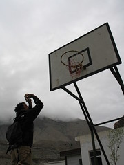 Livio hits a wicked jumper (uninvolved observer) Tags: 2005 china travel basketball muslim xinjiang silkroad kashgar   g6 uyghur  livio ghez