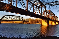 Brazos River Railroad Bridges, Waco, Texas (Thad Roan - Bridgepix) Tags: railroad travel bridge sunset river photo texas waco photos bridges railroadbridge 200312 span bridging brazosriver 2bridges bridgepixing bridgepix getrdun bridgeblog