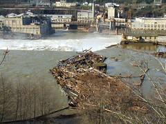 Oregon City Industrial Area (Curtis Gregory Perry) Tags: road usa industry oregon america river us waterfall highway industrial factory pacific northwest or united 2006 falls warehouse 99 pacificnorthwest states february federal willamette oregoncity highway99 us99