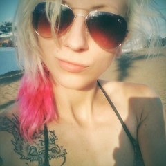 Selfie (Vi Pi) Tags: selfportrait girl dragon blond pinkhair dragontattoo xperiaz3