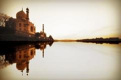 India - Uttar Pradesh - Agra - Taj Mahal - 33 (asienman) Tags: india agra tajmahal asienmanphotography mausoleum tomb mughalarchitecture uttarpradesh asienmanphotoart unescoworldheritagesite muslimart