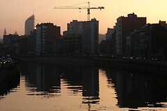 La Dérivation (Liège 2016) (LiveFromLiege) Tags: liège liege luik lüttich liegi lieja wallonie belgique belgium dérivation meuse river sunset fiume fleuve building buildings city