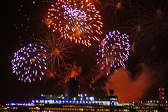 Fireworks fill the sky (clare.blandford) Tags: arcadia hythe pier southamptonwater southanptondocks cruise liner hampshire