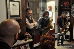 N2122856 (pierino sacchi) Tags: kammerspiel brunocerutti feliceclemente igorpoletti improvvisata jazz letture libreriacardano musica sassofono sax stranoduo