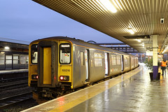 150216 Class 150 Sprinter DMU (Roger Wasley) Tags: 150216 class 150 sprinter fgw gloucester dmu diesel multiple unit railways first great western station canon ef 24105mm f4l is ii usm lens test review