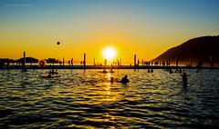 Puesta de Sol Playa Grande de Licán Ray (Mauricio Vega Larrea) Tags: puesta de sol playa grande lican ray nikon sigma 1020 atardecer agua lago licanray lights contaluz calafquén villarica region chile sur