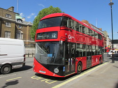 LT424, Whitehall, London, 13/05/15 (aecregent) Tags: london wright 12 hybrid whitehall lt londongeneral goahead nb4l nbfl newroutemaster goaheadlondon 130515 newbusforlondon borismaster londonbuses2015 ltz1424 lt424