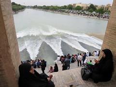Iran_6624 (DavorR) Tags: bridge river iran most esfahan isfahan rijeka khajoo chador persianarchitecture khajubridge ador
