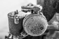 Frost (morten f) Tags: frost vinter winter snow snø kald cold metal motor