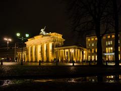 Brandenburger Tor (Elmar Schweer) Tags: deutschland berlin brandenburger tor nachtaufnahme