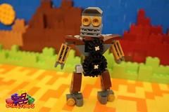 The Droid Family: Geary (EVWEB) Tags: lego creations ideas robot mecha droid wheels gears mixels moc klinkers family