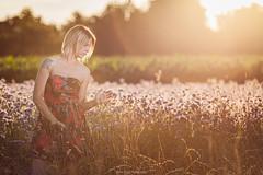 Amandine (Jehan Jessel) Tags: 135mm modele modèle goldenhour belle beauty girl fille femme women woman 5dii canon5dii lovely portrait photo beauté blonde alsace france hautrhin extérieur outdoor sensuelle été summer naturelle champs heuredorée colmar jehanjesselphotographies sun flare