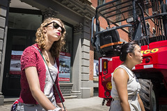 nyc woman newyork sunglasses us unitedstates outdoor manhattan sunny cc sidewalk wwward0