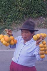 Oranges. (Hel*n) Tags: peru per oranges cholita naranjas orangen