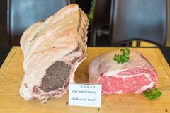 เนื้อ Dry Aged Beef Ribeye เนื้อบ่มแห้งสูตรพิเศษของร้านเดอะแกรนด์บาร์บีคิว
