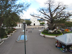 Central Park and Colonial Church of Metapán