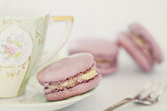 Strawberry flavored macarons, Paris (Jacada Travel) Tags: teacup pastelcolored nopeople cremebrulee gourmet antique readytoeat vanilla meringue macaroon pastry afternoontea colorimage dessert strawberry snack freshness fragility red pinkcolor greencolor selectivefocus defocused macro horizontal closeup tonedimage cake cookie candy sweetfood food teahotdrink saucer cup plate fork silverware frenchcuisine foodphotography almondmacaroon