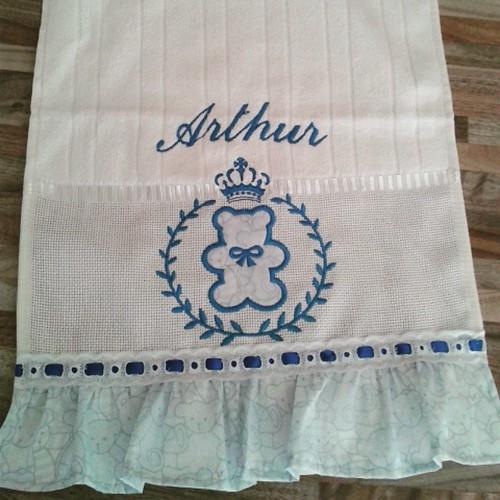 ....O Arthur está chegando. ... #toalhadeboca #feitocomcarinho #bysoniaferraz
