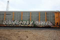 (o texano) Tags: bench graffiti texas phone houston trains dts d30 wh freights wyse a2m benching dzee