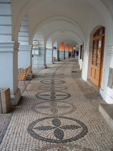 Sobotka, kanyarodó folyosó