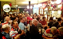 """France, Pyrénées-Atlantiques, Bayonne - Gloucester rugby supporters in Katie Daly's Irish Bar (Biffo1944) Tags: france pyrénéesatlantiques bayonne gloucester rugby """"katie dalys"""" """"irish bar"""" sonyz10268"""