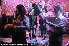 hallowscream25 (Against The Grain Photography) Tags: devoleb secret light hallowscream shadow image bat city productions againstthegrainphotography halloween slims last chance saloon