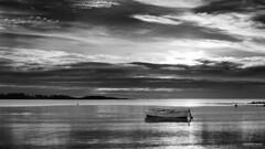 La barque du Men Du - NB (DENISDROUAULT) Tags: barque beach borderfx breizh bretagne brittany denis drouault denisdrouault hdr jimages mer morbihan ocean océan paysage plage sea soleil sun surf vague vagues water wave waves buoyant