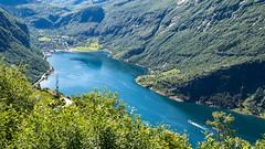 DSC_4009 (stefanh.varberg) Tags: chevrolet corvette geiranger norge fjord husbil mc utsikt örnesvingen