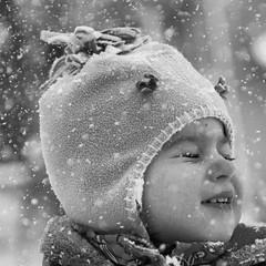 _YSR5334-bw (yasaraykac) Tags: portrait bw d750 nikon outdoor snow children 2470mm
