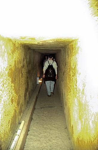 "Ägypten 1999 (642) Kairo: In der Chephren-Pyramide, Gizeh • <a style=""font-size:0.8em;"" href=""http://www.flickr.com/photos/69570948@N04/32464183235/"" target=""_blank"">View on Flickr</a>"