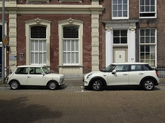 Classic and Contemporary MIni (harry_nl) Tags: classic netherlands nederland mini middelburg 2015 fivedoor