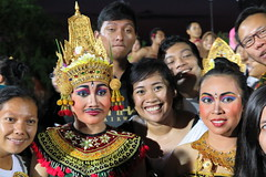 The heavenly couple (Fyodor & Mila) Tags: bukit bali ramayana kecak dance dans dancers dansers sita rama uluwatu fire