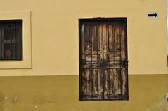 The doors of perception (Heimlich Ehrlich Chinaski) Tags: door puerta tr doloreshidalgo heimlich