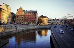 Stockholm (Jasmin Nolden) Tags: city sea water night dark evening meer sweden stockholm schweden swedish altstadt lanscape