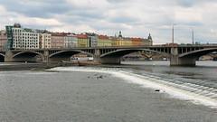The dancing house (Peter Nyström photography) Tags: city bridge river praha vltava dancinghouse tančícídům pragur jiráskůvmost