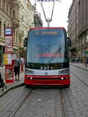 Modern Low-Floor Tram in Prague (mobilix) Tags: prague tram prag praha cz tramway öpnv strasenbahn škoda15t škodaforcity