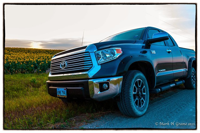 sunset lund fender sunflower toyota tundra flares