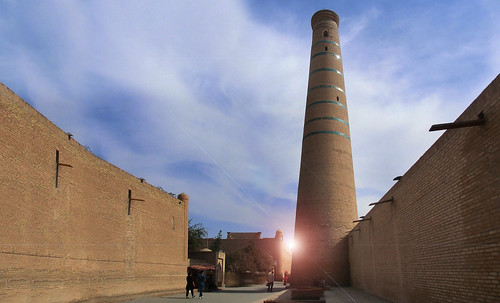 "Torres legendarias / Faros, minaretes, campanarios, rascacielos • <a style=""font-size:0.8em;"" href=""http://www.flickr.com/photos/30735181@N00/31722256793/"" target=""_blank"">View on Flickr</a>"
