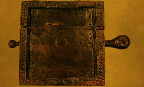 "Umbrales- Lejanos inicios en el paleolítico y versiones subsecuentes • <a style=""font-size:0.8em;"" href=""http://www.flickr.com/photos/30735181@N00/32369452232/"" target=""_blank"">View on Flickr</a>"