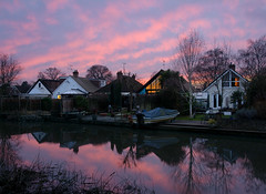Red Sky over Wey Navigation (Rich Lukey) Tags: sunset wey navigation sky red pink reflection canal river nikon d7100 1685mm surrey