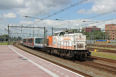 TS 103 + RET Metro Rotterdam 31-07-2015 (Spoorhaar) Tags: station rotterdam metro v100 ret centraal traxx metrotransport trainservices overbrenging 186019 nsint ts103