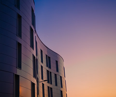 Melody (Quasqua) Tags: architecture building minimalist sunset