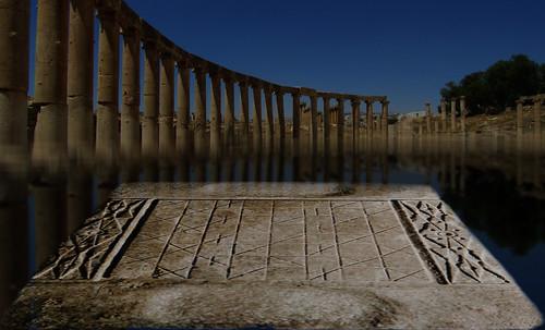 "Petteia - Ludus Latrunculorum  / Iconografía de las civilizaciones helenolatinas • <a style=""font-size:0.8em;"" href=""http://www.flickr.com/photos/30735181@N00/31678482094/"" target=""_blank"">View on Flickr</a>"