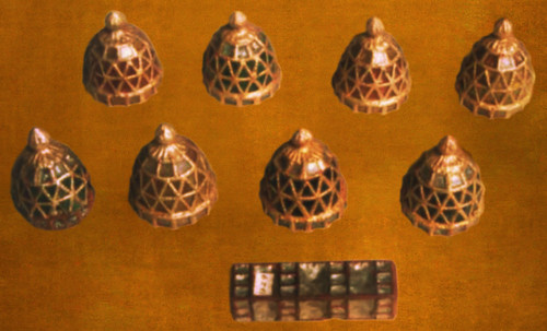 "Umbrales- Lejanos inicios en el paleolítico y versiones subsecuentes • <a style=""font-size:0.8em;"" href=""http://www.flickr.com/photos/30735181@N00/31709881613/"" target=""_blank"">View on Flickr</a>"