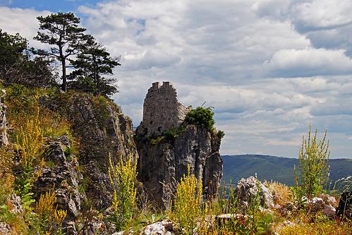 Crni Kal castle