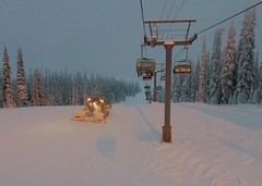 Up with the groomers (Ruth and Dave) Tags: sunpeaks skiresort sunburst chairlift chair lift piste skirun groomer pistebasher cat snowcat morning early firsttracks dawn alpenglow firstlight