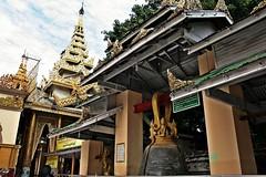 Mandalay - Mahamuni Paya (zorro1945) Tags: mahamuni paya mandalay myanmar burma asia asie pagoda temple buddhisttemple buddhism traditionalburmesearchitecture bell